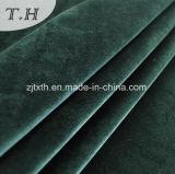 제조 공장에서 소파 직물 뜨개질을 하는 공급자