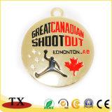 金属のフットボールはスポーツの硬貨がとのカスタム設計するメダルを遊ばす