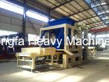 Blocco in calcestruzzo che fa macchina, mattone della cenere volatile che forma la macchina per fabbricare i mattoni del cemento della macchina