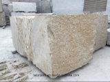 Pavimentazione di pietra del granito giallo nebbioso della Cina con il martello del Bush per il passaggio pedonale