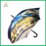 ロゴプリントパターンが付いている昇進の傘