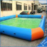 Raggruppamento gonfiabile del tetto di nuoto di divertimento felice in estate