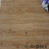 Pavimentazione allentata del PVC di disposizione di sembrare del legno commerciale di rendimento elevato
