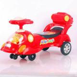Conduite neuve de véhicule d'oscillation de bébé de modèle sur le véhicule