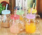 Vaso bevente di vetro di disegno caldo con la maniglia