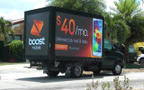 省エネP10モジュールによって(3.8V)なされるスクリーンを広告するトラックによって取付けられる移動式LED