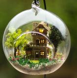 2017 Venta caliente juguete de madera bricolaje Dollhouse con bola de cristal