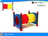 De Speelplaats van de Ruiters van de Lente van de Spelen van jonge geitjes (YL61235)