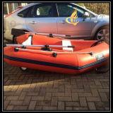 Barco inflável do reforço