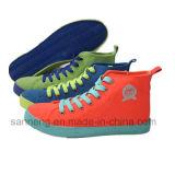 Calzado de moda con suela de goma de colores (SNC-230008)