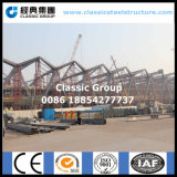 Belle grande construction de port de structure métallique