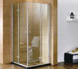 ヒンジとの2つの折れ戸のシャワー機構