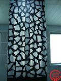 El panel de pared metálica perforada