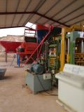 Semi-automatique machine à fabriquer des briques de béton