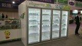 Porta de vidro na sala de armazenagem fria de carga de volta para a tela de bebidas para a loja de conveniência