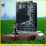 Het Gedenkteken van de Begraafplaats van het graniet met de Gravure van de Lijn