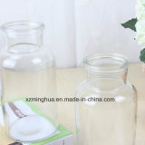 Декоративные вазы из прозрачного стекла цвета