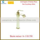 3 mélangeurs cachés par robinet d'or de bassin de jade de suite