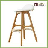 B103 белой деревянной опоры сиденья стульями