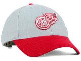 高品質の刺繍のロゴの金属のバックルの野球帽