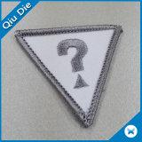 의류를 위한 삼각형 Lockrand 모양에 의하여 수를 놓는 패치