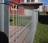 二重鉄条網のパネル
