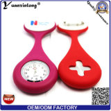 Yxl-946 New Nurses Watches Doctor Portable Fob Watch Broches Silicone Tunic Batteries Medical Nurse Watch Quartz avec Clip