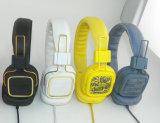 De kleurrijke Modieuze Stereo Getelegrafeerde Hoofdtelefoon van de Computer