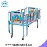 小児科のベッド