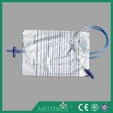 CE/ISOは承認した2000mlを引っ張押す吹き出し弁の尿袋(MT58043001)を