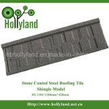 Mattonelle di tetto colorate con i chip di pietra ricoperti (mattonelle dell'assicella)