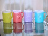 6103 tazas coloridas cuadradas plásticas del hogar de Metka (con la tapa)
