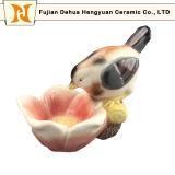 Las estatuas animales coloridas se dirigen pájaros de cerámica de la decoración