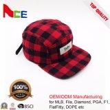A onda feita sob encomenda da fábrica de China remenda 5 chapéus lisos do inverno do Snapback da borda do painel