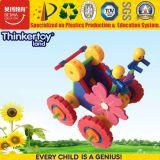 Aprendendo brinquedos dos blocos de apartamentos dos miúdos com material da segurança