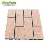 Le WPC Decking Tile 300*300mm l'Installation facile de plein air