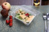 Conteneur en plastique contenant des aliments de micro-ondes
