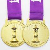 Médaille faite sur commande de récompense d'échecs d'or en métal 3D de Wholesal