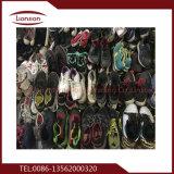 Alta qualidade e muitos tipos de sapatas exportadas da segunda mão