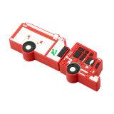 A pena quente da memória do USB dos desenhos animados conduz o motor do carro de bombeiros