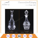 ワインまたはリキュールのびんのためのパターンによって刻まれるガラスビンを飾りなさい