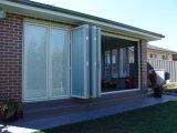 Между стеклянной штаркой моторизованной дистанционным телефонная трубка для двери или шторками окна