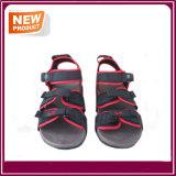 Sandali esterni della spiaggia di sport degli uomini