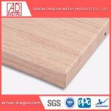 Grãos de madeira leve e painéis de alumínio alveolado