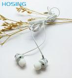 La Cina ha prodotto il trasduttore auricolare bianco stereo della spina del cavo 3.5mm del PVC di alta qualità