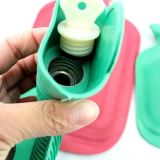Bottiglia di acqua calda di gomma per il riscaldamento del corpo