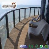 Decking de goma reciclado WPC incombustible al aire libre para el balcón