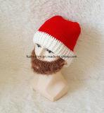 Cappello di natale sui regali di natale di vendita