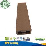 Anti-UVWPC Decking-hölzerne zusammengesetzte im Freienbodenbelag-Plastikvorstände