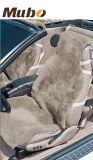 A tampa do assento do carro de ovelha universal